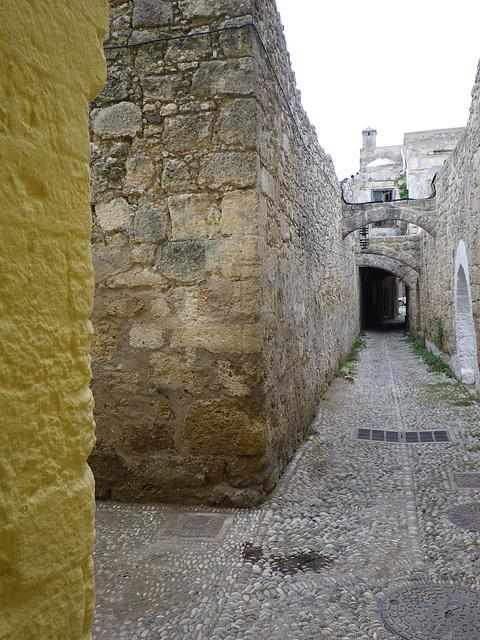 Rues de Rhodes 3
