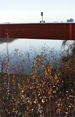 De charla en el puente