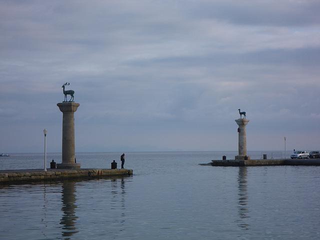Entrée du port de Rhodes, 3