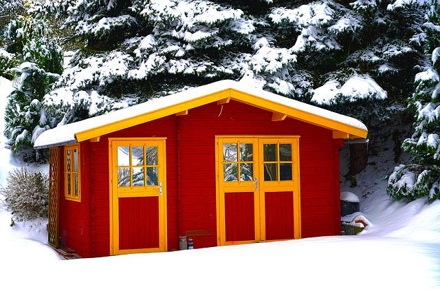 Gartenhaus im Schnee Teil 2