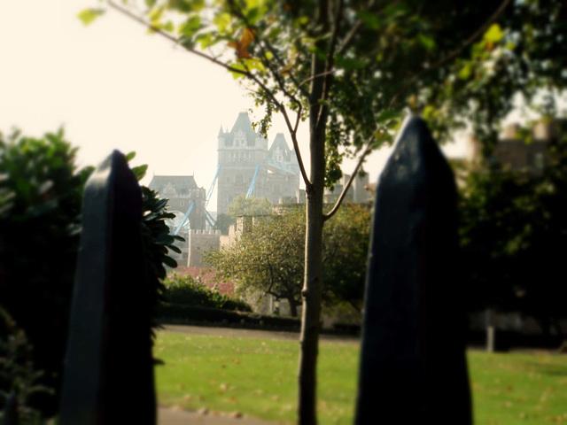 Misty morning, London