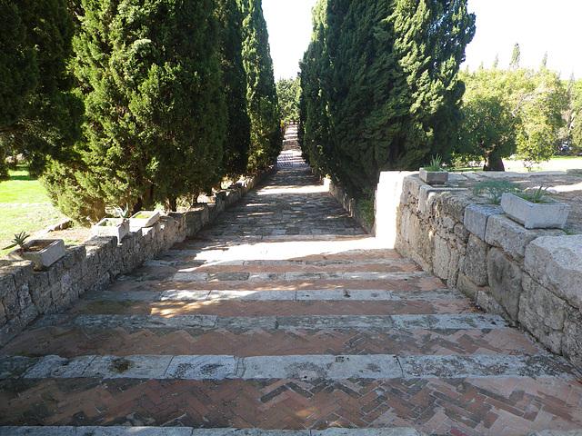 Escalier du monastère Philerimos.