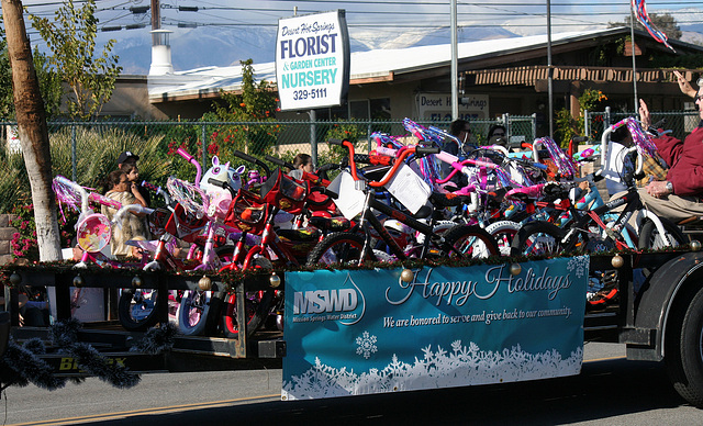 DHS Holiday Parade 2012 - MSWD (7636)