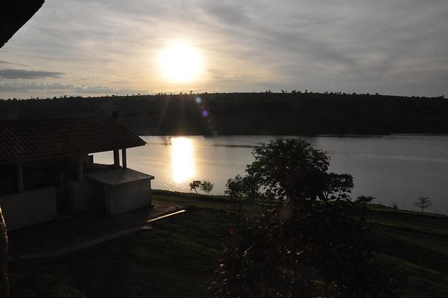 Sunsubiro sur la lago