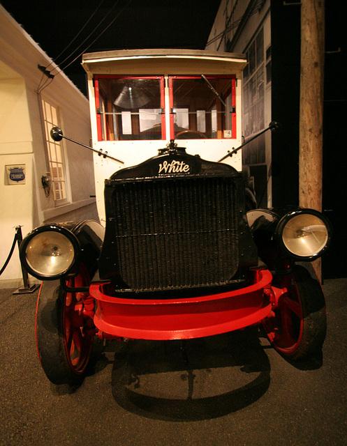 1921 White Tanker Truck - Petersen Automotive Museum (7985)