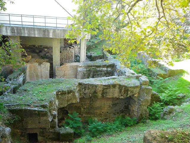 Rhodes antique : entrepôts 2