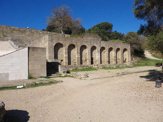 Acropole de Rhodes : stoa