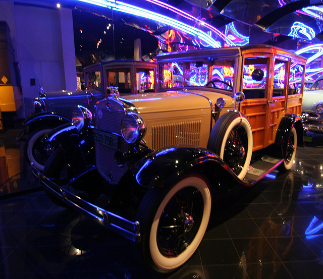 1931 Ford Model A Station Wagon - Petersen Automotive Museum (7969)