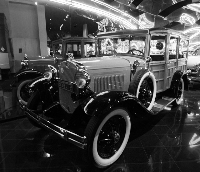1931 Ford Model A Station Wagon - Petersen Automotive Museum (7969A)
