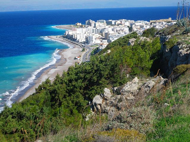 La pointe nord vue depuis l'acropole de Rhodes.
