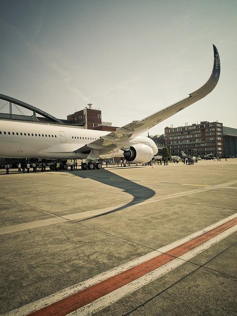 Airbus A350XWB 001