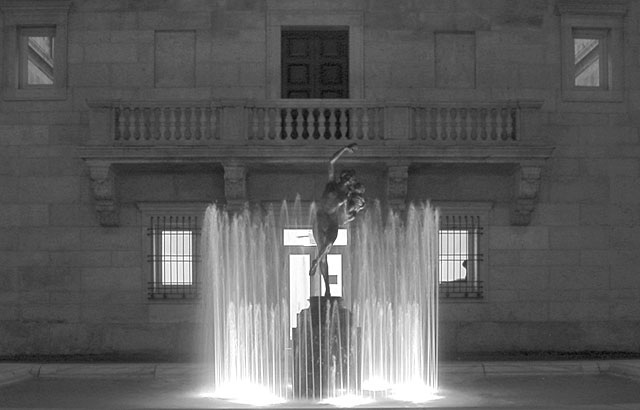 Boston Public Library Fountain (9)