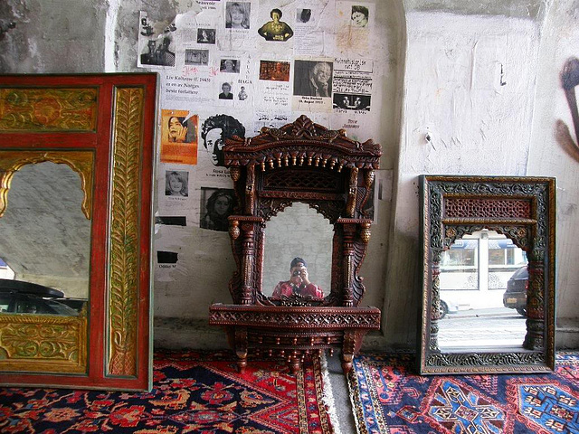 mirrors and carpets