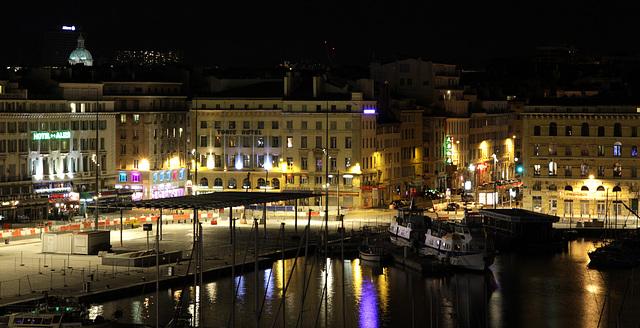 2012 12 30 Marseille Hafenviertel bei Nacht