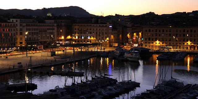2012 12 31 Marseille Hafenviertel im Morgenlicht