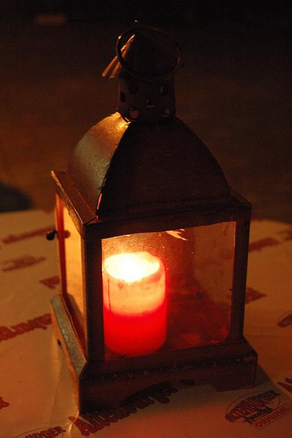 lanterno kun kandelo