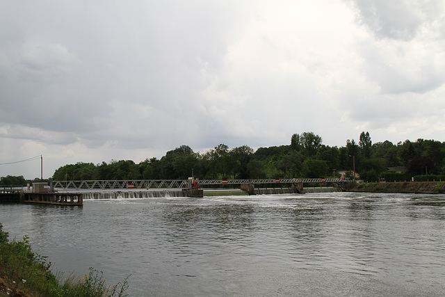 Barrage de Villeperrot