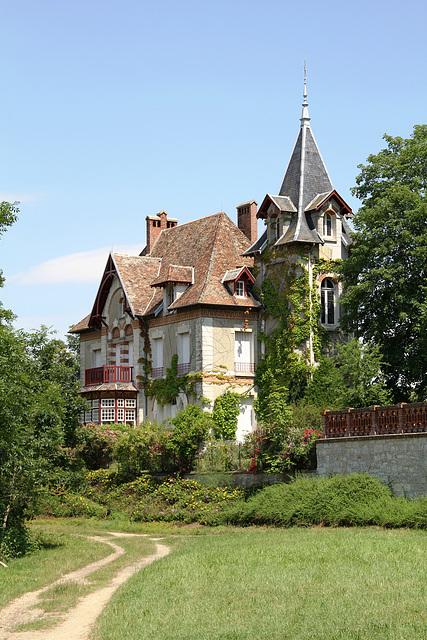 Belle demeure du bord de l'Yonne