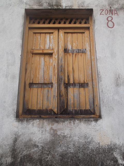Ventana cubana de la zona 8.