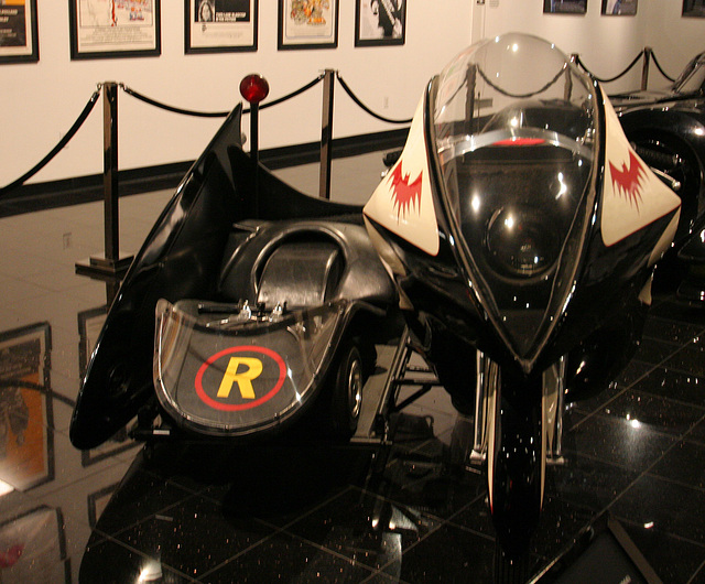 1966 Yamaha YDS-3 Batcycle - Batman film 1966 - Petersen Automotive Museum (8182)
