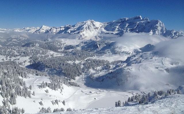 Panorama des Alpes vaudoises...