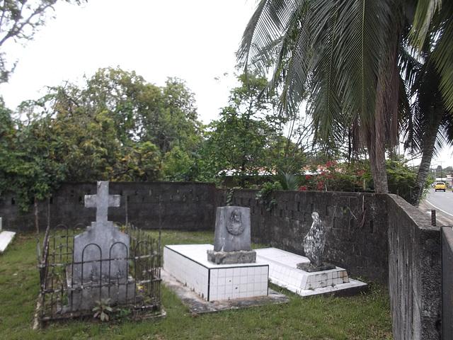 Carribean cemetery / Cimetière des Caraïbes - 13 février 2013.