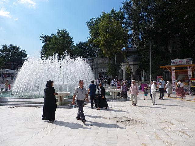 Eyüp : place devant la mosquée.
