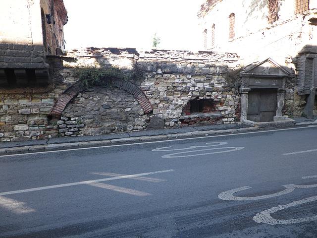 Maison en ruine, 4
