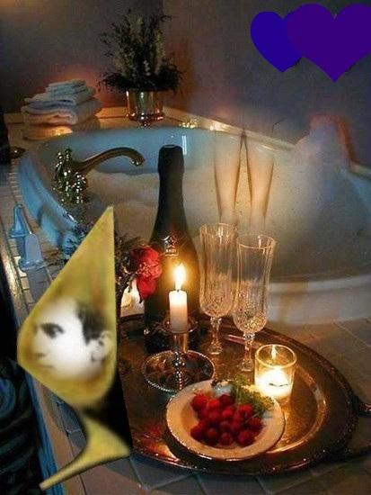 C'est sûr ...dans la douche italienne .... Ce sera moins romantique hihihi !!!   Création Krisontème.