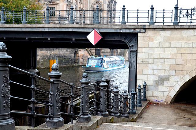 An der Liebknechtbrücke