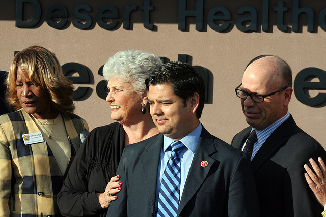DHS Community Health & Wellness Center Ribboncutting (8735)
