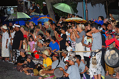 Audience join the Ogoh-Ogoh pageant