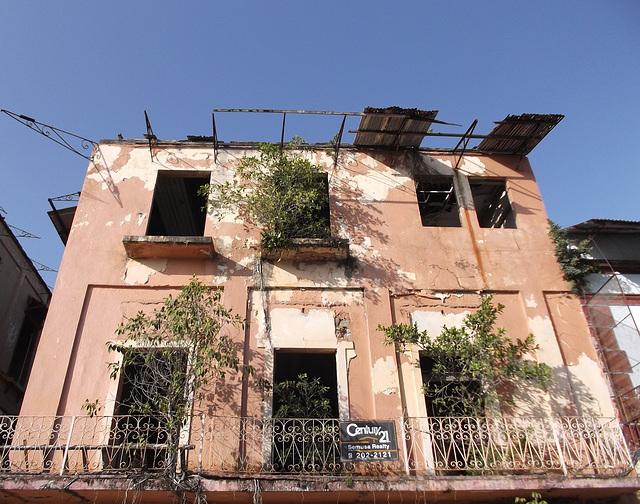Ruine en restauration / Ruin restoration - Panama city / 11 janvier 2013.