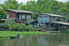Local residents beside Khlong Prawet