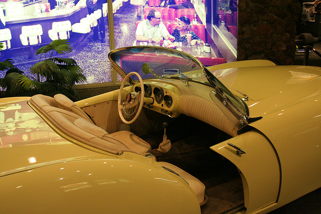 1954 Kaiser Darrin KD-161 - Petersen Automotive Museum (8043)