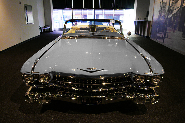 1959 Cadillac Series 62 Convertible - Petersen Automotive Museum (8026A)