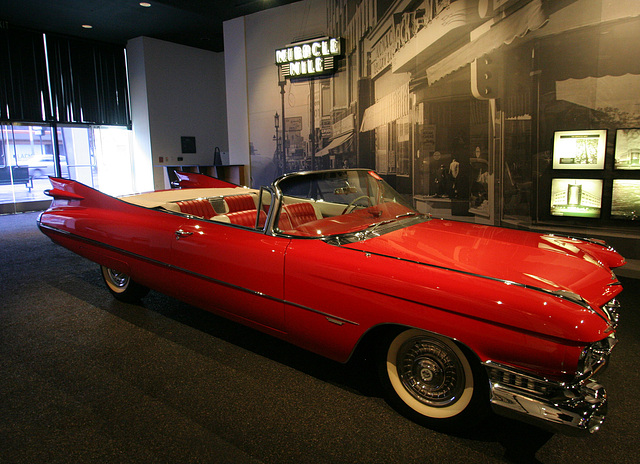 1959 Cadillac Series 62 Convertible - Petersen Automotive Museum (8027)