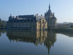 Chateau de Chantilly en fin d été