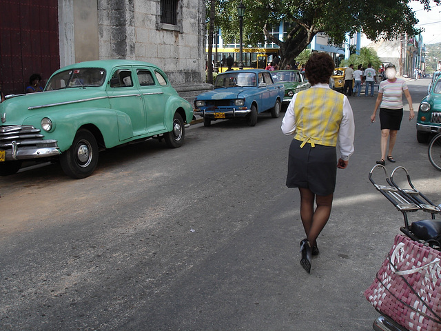 Dame cubaine en talons hauts / Cuban Lady in high heels - 5 février 2010.