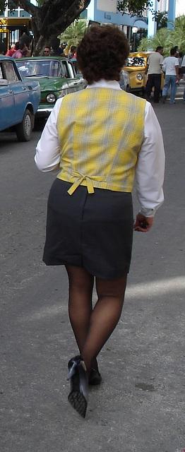 Dame cubaine en talons hauts / Cuban Lady in high heels - 5 février 2010 - Recadrage