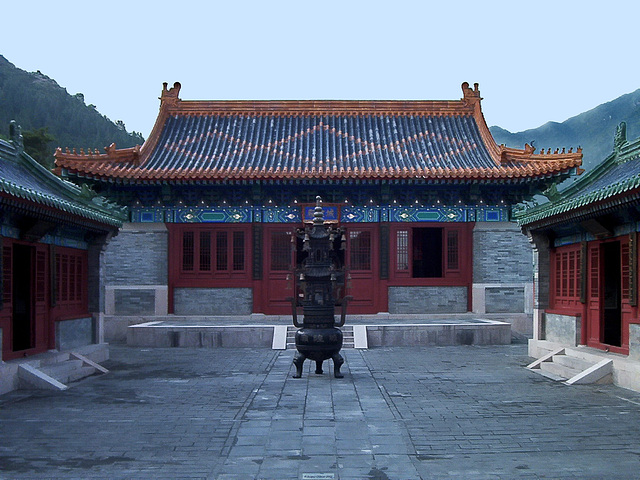 IM000731ac Great Wall Badaling Temple Courtyard
