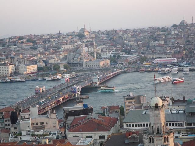 En haut de la tour : le pont de Galata 2