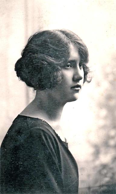 Lillian Gregory c1920