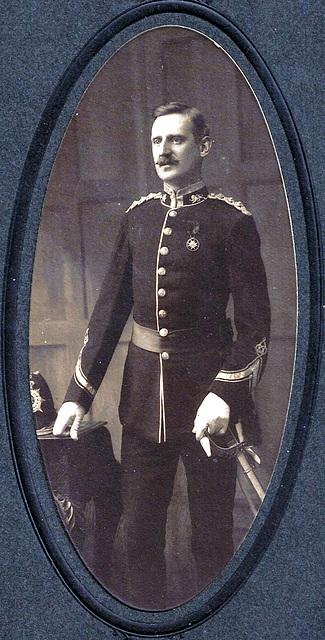 Barrow in Furness Mystery Ancestor in (now identified) uniform