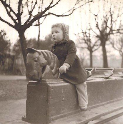 Iron Horse, Lloyd Park