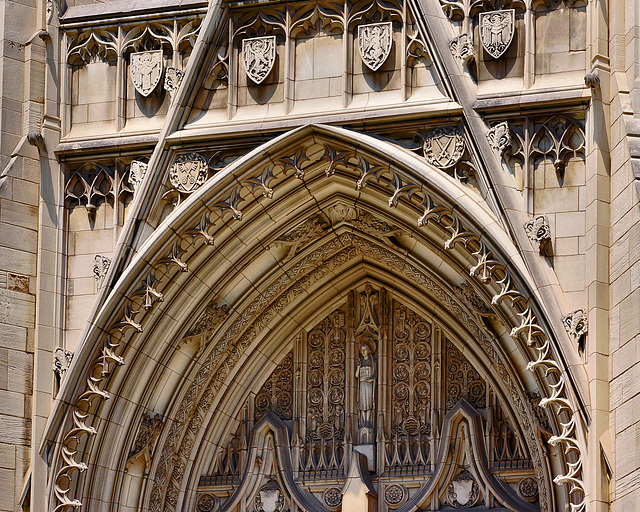 Tympanum – Heinz Memorial Chapel, University of Pittsburgh, Pittsburgh, Pennsylvania