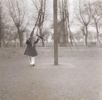 Twirly Thing, Lloyd Park 1956