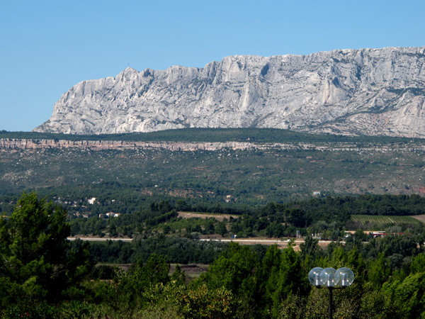 La Montagne de Sainte Victoire, south face