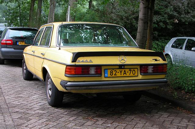 Merc spotting: 1976 Mercedes-Benz 240 D with spoiler!