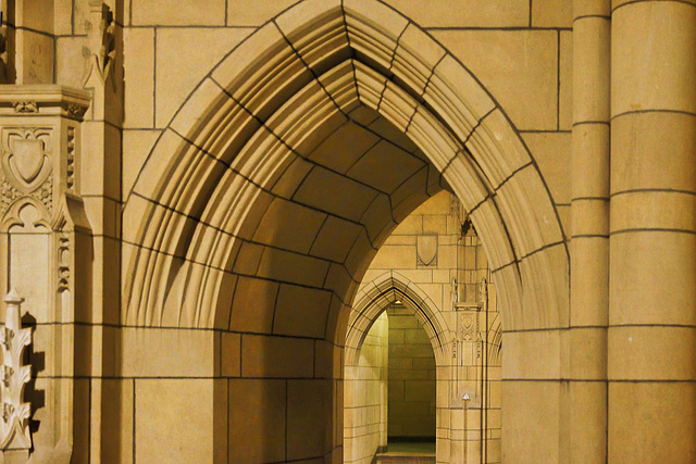 Golden Arches – Cathedral of Learning, University of Pittsburgh, Forbes Avenue, Pittsburgh, Pennsylvania